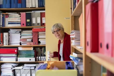 Martine Bungener, directrice adjointe du CERMES3, Centre de recherche médecine, sciences, santé, santé mentale, société. photographiée par Magali Delporte pour Le Monde.