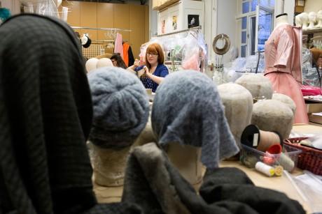 l'atelier des modistes, créateurs de chapeaux, à l'opera Garnier, Magali Delporte©